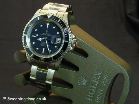 vintage-gold-rolex-submariner-1680