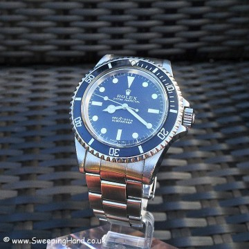 Beautiful Rolex 5513 Submariner 1970 - Box and Rolex service papers