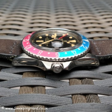 Very Early 1960 Tropical Dark Chocolate Rolex 1675 GMT Master PCG Closed Chapter Ring Dial For Sale