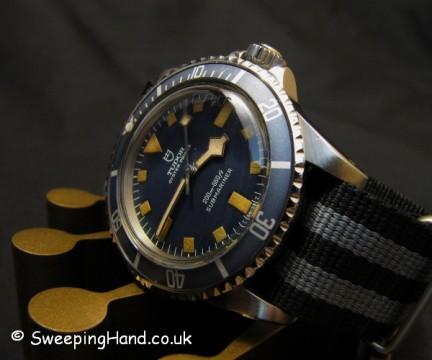 vintage-rolex-tudor-submariner-90410-marine-nationale-snowflake-mn77