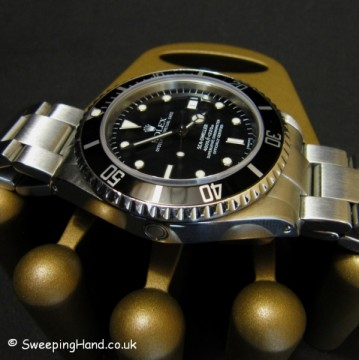 rolex-watch-seadweller-submariner-16600