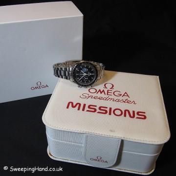 omega-speedmaster-box