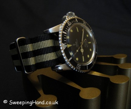 vintage-rolex-tudor-submariner-7928-gilt-2