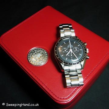 omega-speedmaster-self-wind