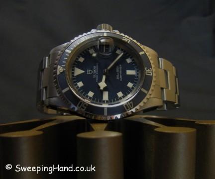 vintage-rolex-tudor-submariner-7021-snowflake-7