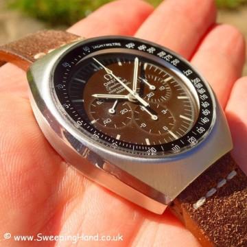 omega-speedmaster-brown-dial