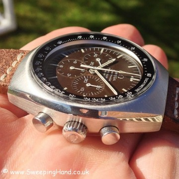 tropical-omega-speedmaster