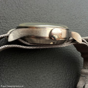Omega 53 RAF Military Thin Arrow original crown