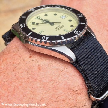 Tag Heuer Marine Nationale bevel