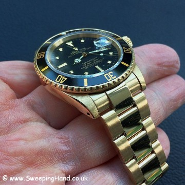 Rolex 18k Gold Submariner 16808 - 11