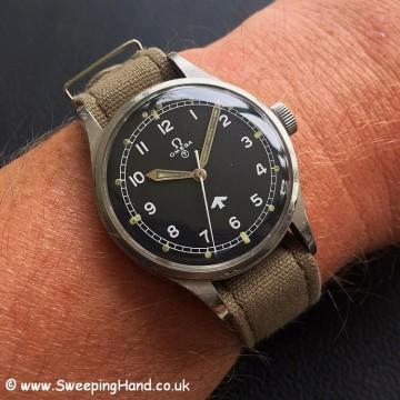 Omeg RAF 53 wristshot